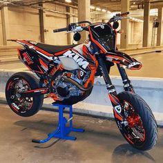 Ktm Dirt Bikes, Cool Dirt Bikes, Ktm Motorcycles, Dirt Biking, Custom Motorcycles, Motocross Love, Motorcross Bike, Enduro Motorcycle, Girl Motorcycle