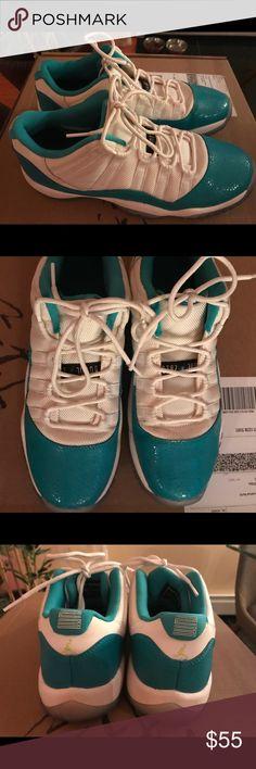 Jordan sneakers Excellent condition, like new  Size 7 Jordan Shoes Sneakers