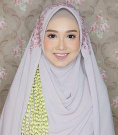 Kebaya Wedding, Muslimah Wedding Dress, Disney Wedding Dresses, Pakistani Wedding Dresses, Dream Wedding Dresses, Wedding Bride, Wedding Tips, Wedding Photos, Javanese Wedding