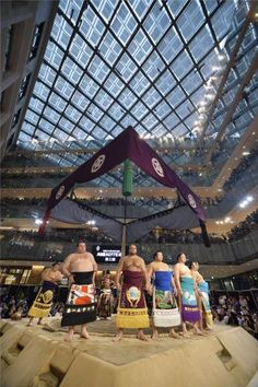 女性客も大興奮!丸の内の巡業に3000人 商業施設で大相撲PR ― スポニチ Sponichi Annex スポーツ Nihon, Mall, Sumo, Commercial, Japanese, Sports, Travel, Beauty, Hs Sports