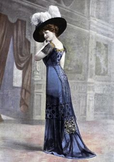 Before the roaring twenties women would wear dresses to there ankles with big top hats. The wealthier women wore beautiful beaded/ colored dresses. The poor would wear dresses to the ankles but not as elegant as the other beaded ones.
