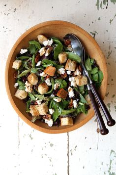 Mesclun Salad with Goat Cheese and Balsamic Vinaigrette Recipe | SAVEUR