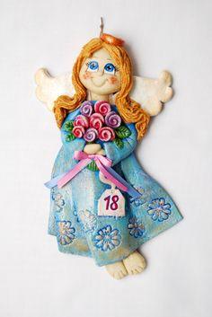 Anioł z masy solnej, anioł na osiemnastkę, aniołek z różami, salt dough angel