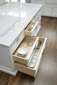 Hampton Island Drawers
