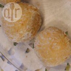 Easy white chocolate truffles @ allrecipes.co.uk
