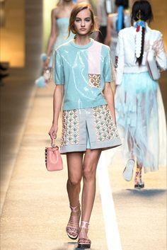 Sfilata Fendi Milano - Collezioni Primavera Estate 2015 - Vogue