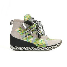 Competitive tomboy spirit_FW15-16. Athletic chic_zig zag sneakers
