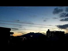 鹿児島市の空|藪入りの朝の桜島と空をタイムラプスで Shot by RICOH WG-M1