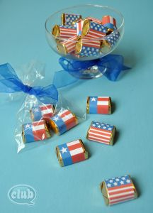 All-American Flag Wraps for Little Chocolates: these free printables are perfect for party favors at your upcoming 4th of July party.