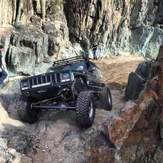 Jeep Comanche Mods Full of Custom Tricks Jeep Xj Mods, Jeep Tj, Jeep Truck, 4x4 Trucks, Jeep Wrangler, Jeep Carros, Badass Jeep, Cool Jeeps, Expedition Vehicle