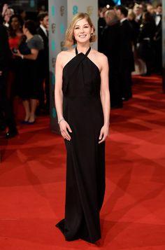 La alfombra roja de los Premios BAFTA 2015 ROSAMUND PIKE