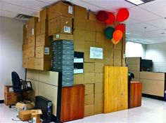 Office birthday pranks are funny. Unless you are the one being pranked. Then it's less funny. Birthday Pranks, Office Birthday, Birthday Ideas, Thank You To Coworkers, Hate My Job, Party Rock, Practical Jokes, Funny Clips, Fun At Work