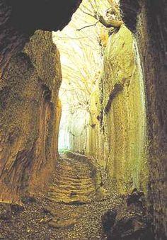 vie-cave #invasioniDigitali il 27 Aprile appuntamento alle 15,00 Piazza Garibaldi 12 Invasore: Pitigliano Tuscany