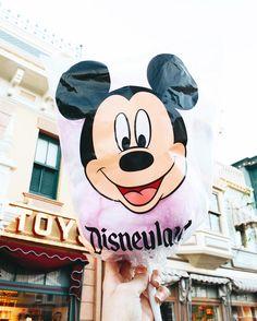on insta // Julia All Disney Parks, Disney Pixar, Walt Disney, Disney Family, Disney Snacks, Cute Disney, Disney Girls, Magic Kingdom, Epcot