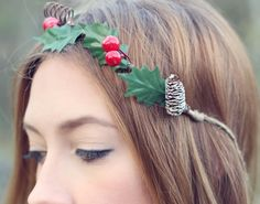 Mistletoe Rustic Christmas Mini Crown Holiday by TheSunflowerStand Diy Christmas Hats, Christmas Minis, Christmas 2014, Rustic Christmas, Merry Christmas, Mistletoe Diy, Altering Clothes, Crafty Craft, Merry And Bright