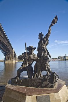 Lewis and Clark Statue At the Mississippi, commemorating the return from the Louisana Purchase Exploration.