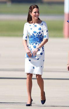 Vestido blanco estampado floral azul