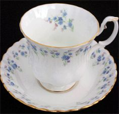 """Royal Albert """"Memory Lane""""4 trios, cream sugar, cake plate, teapot"""