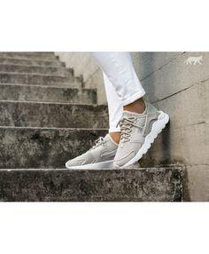 huge selection of 1bc92 d96ab Chaussure Nike Femme Air Huarache Courir Ultra Br Pale Gris Pale Gris Blanc  Glacier Bleu
