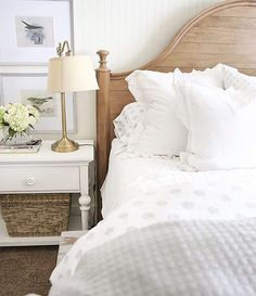 I just love Kristen over @ellaclaireblog master bedroom refresh!! This bed from @jossandmain has been a long time favorite of mine. I just love how her room turned out! #jossfind #jossandmain #home #interiordesign #farmhousestyle #bedroom #bedroomdecor #countryliving