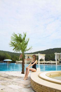 24 August, Relax, Golf, Explore, Facebook, Outdoor Decor, Exploring, Wave, Polo Neck