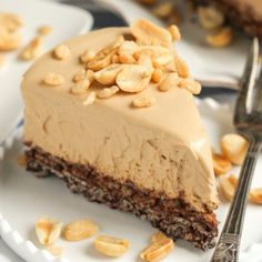 Healthy Peanut Butter Crunch Pie-Get your hourly source of sweet...