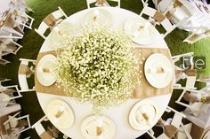 A perfect table setting with its simplicity and beauty! Photo by: Tse Galley