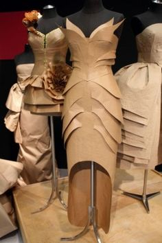 To remake a couture dress entirely out of brown paper and similar products. This dress was based off of a liquid silver Thierry Mugler mermaid dress from 1987 PD Paper Fashion, Fashion Art, Womens Fashion, Fashion Design, Dress Fashion, Fashion Trends, Costumes Faciles, Paper Clothes, Paper Dresses