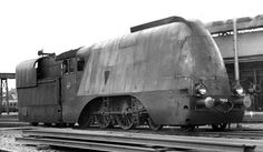 What an awesome train! Dutch No. 3804 streamlined steam locomotive 1936: