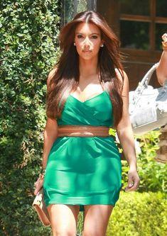 Kim Kardashian - Straight Voluminous Center Part