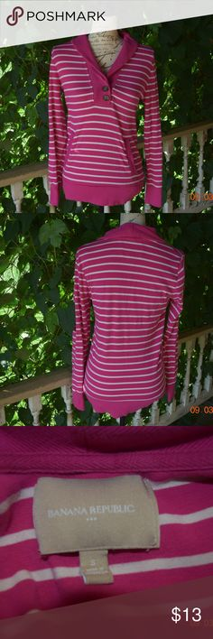 Banana Republic Sweater Nice sweater by Banana Republic size S.  No stains, marks or holes.  Nice and comfortable. Banana Republic Tops Blouses