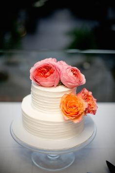 Classic Cake with Bright Flowers