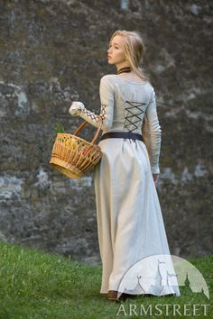 Medieval Fashion, Medieval Clothing, Historical Clothing, Medieval Costume, Medieval Dress, Conservative Outfits, Fairy Dress, Hurley, Costume Design