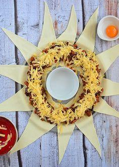 Imprezowy wieniec meksykański - etap 8 Mexican Food Recipes, Food And Drink, Baking, Food Ideas, Pies, Recipe, Mexican Recipes, Bakken, Backen
