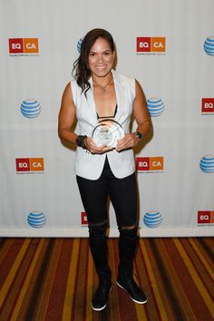 Amanda Nunes Photos - Amanda Nunes poses with the Equality Visibility Award at Equality California's Equality Awards at JW Marriott Los Angeles at L. LIVE on September 2016 in Los Angeles, California. Mma Girl Fighters, Ufc Fighters, Amanda Nunez, Ufc Women, September 17, Poses For Photos, Muhammad Ali, Mixed Martial Arts, These Girls