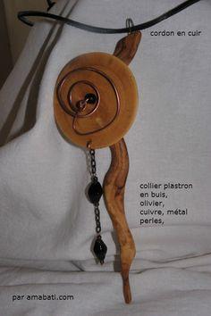 collier plastron en bois d'olivier et buis : Collier par amabati