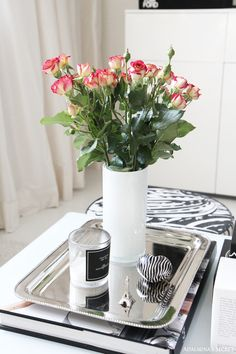 Girly home with black, white and red - Adalmina's Secret