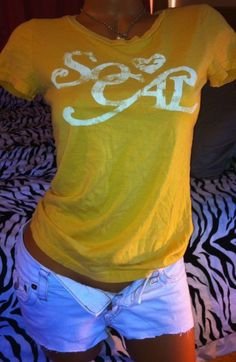 Hollister California T shirt Top Yellow so cal LOGO SPRING Summer shirt Med #Hollister #GraphicTee
