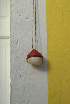 Collana Cappuccetto Rosso in ceramica realizzata a mano