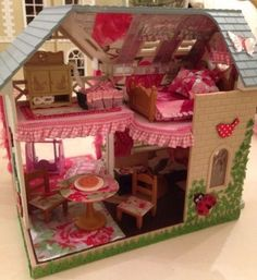 Sylvanian Families Decorated House 'Riverside Lodge' With Furniture