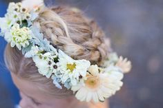 Lovely flower girl hairpiece. #NorCal Wedding