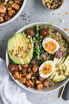 Quinoa Bowls with Sesame Tofu. These quinoa bowls are topped with super flavorful sesame tofu avocado soft boiled eggs and arugula! Perfect for Meatless Monday! Vegetarian Recipes, Cooking Recipes, Healthy Recipes, Vegan Meals, Easy Cooking, Baby Recipes, Corn Recipes, Healthy Meals, Cooking Tips