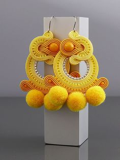 Yellow Soutache earrings with Jadeite. Diy Earrings, Fashion Earrings, Crochet Earrings, Plastic Canvas Tissue Boxes, Plastic Canvas Patterns, Handmade Necklaces, Handmade Jewelry, Soutache Necklace, Earring Trends