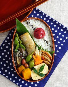 Grilled salted mackerel bento/焼き塩鯖弁当