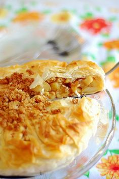 Ginger-Honeyed Apple and Apricot Phyllo Pie Phyllo Recipes, Pie Recipes, Just Pies, Phyllo Dough, Apple Pies, Apple Crisp, Let Them Eat Cake, No Bake Desserts, Cobbler