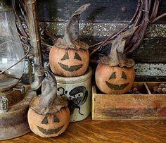 Prim Jack-o-Lanterns