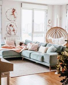 Decorar la mesa para brunch de Navidad - Sectional, Decor, Nordic Home, Couch, Furniture, Interior, Sectional Couch, Modern House, Home Decor