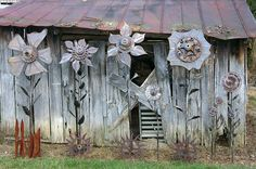Metal Art, by D. Goostree by MillerWelds.com, via Flickr now thats some BIG flowers!