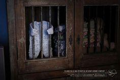 Ne laissez pas les vieux vêtements de vos enfants enfermés à perpétuité ! Nouvelle (et 1ère) campagne pour http://www.petitemaman.fr/ signée Publicis Conseil