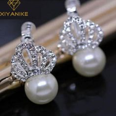 Cheap studs for women, Buy Quality ear studs for women directly from China ear studs Suppliers: New Fashion Unique Inlay Crystal Crown Queen Jewelry Earrings Fashion Pearl Ear Stud For Women Crown Earrings, Pearl Stud Earrings, Pearl Jewelry, Fashion Earrings, Fashion Jewelry, Mode Unique, Queen Fashion, Crystal Crown, Gift Card Giveaway